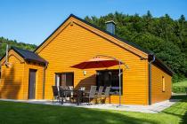 Ferienhaus Immenhof - 100 qm Wohnfläche - Sauna - Garten/Terrasse eingezäunt - Carport im Feriendorf Rieden Eifel.